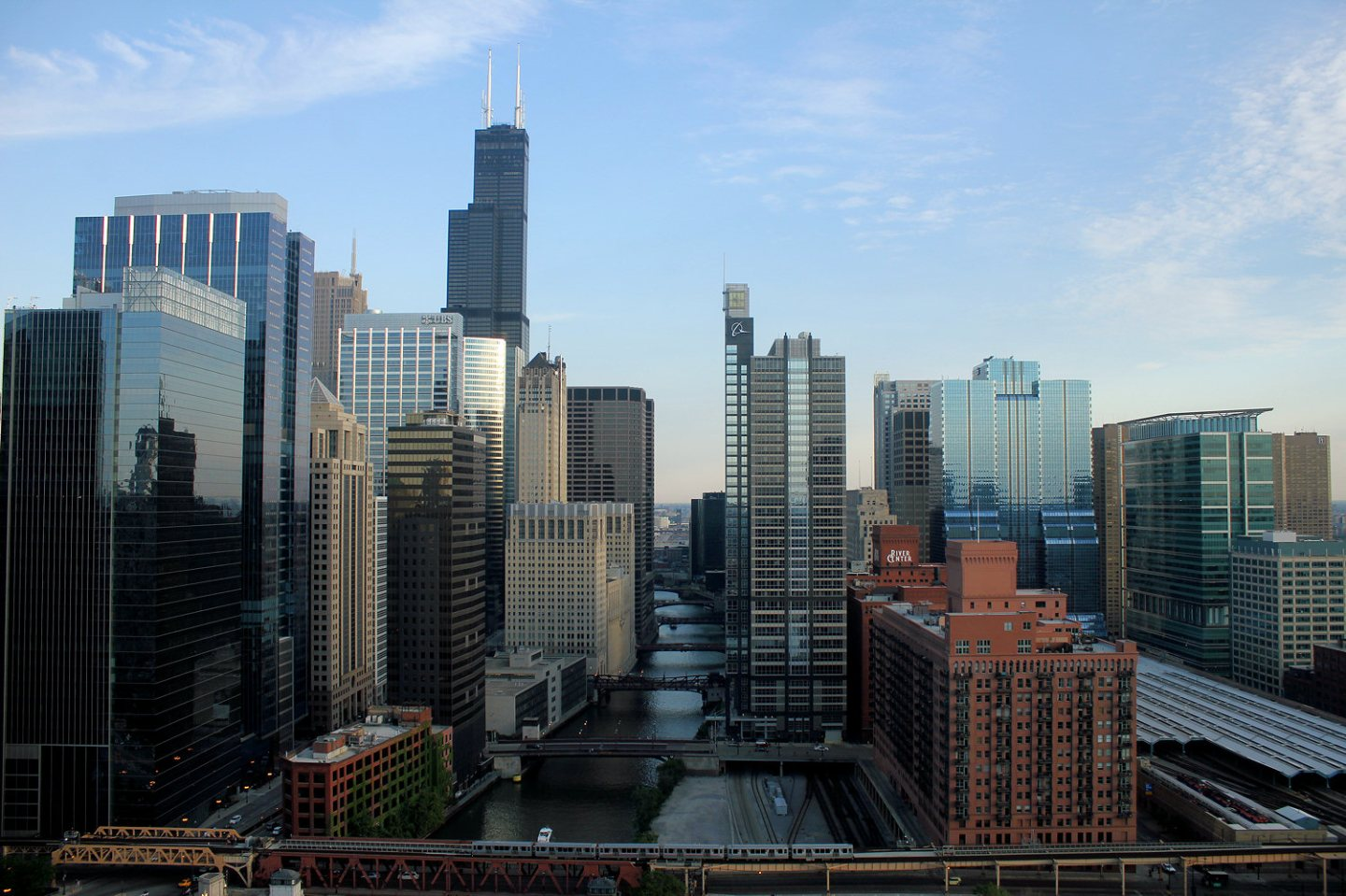 Chicago skyline including Willis Tower and the Boeing Building, Photo by SturmovikDragon